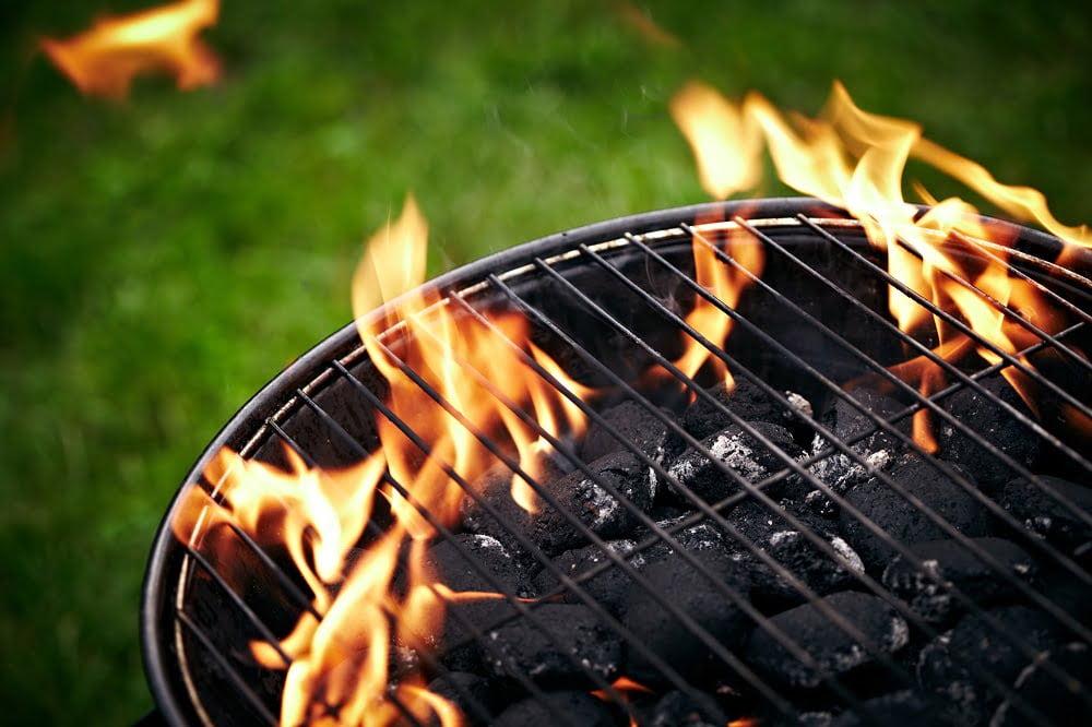Sosy na grilla – przepisy na dobre dipy