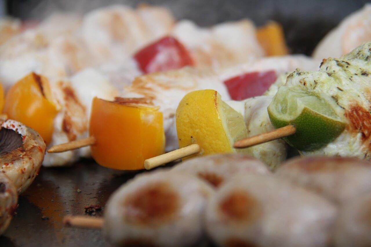 Szaszłyki warzywne na grill –  zdrowa przkaska